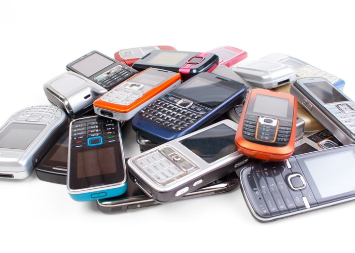 Make money selling your old phone (Image: Shutterstock)